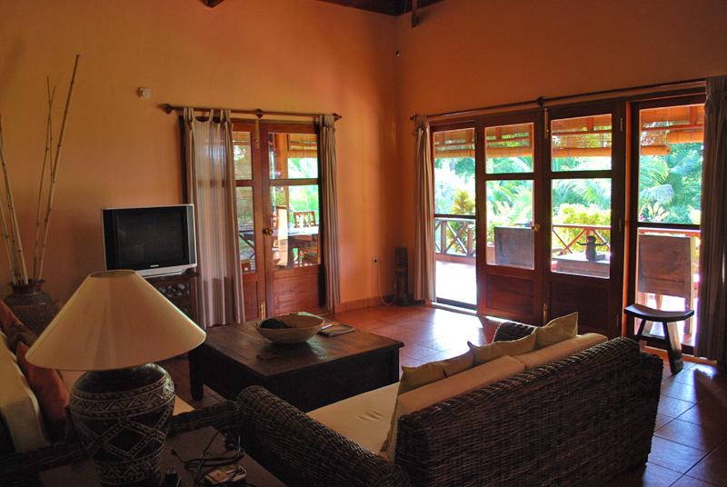 Villa Wohnzimmer : Ausstattung villa impian strandvilla in waiara maumere insel